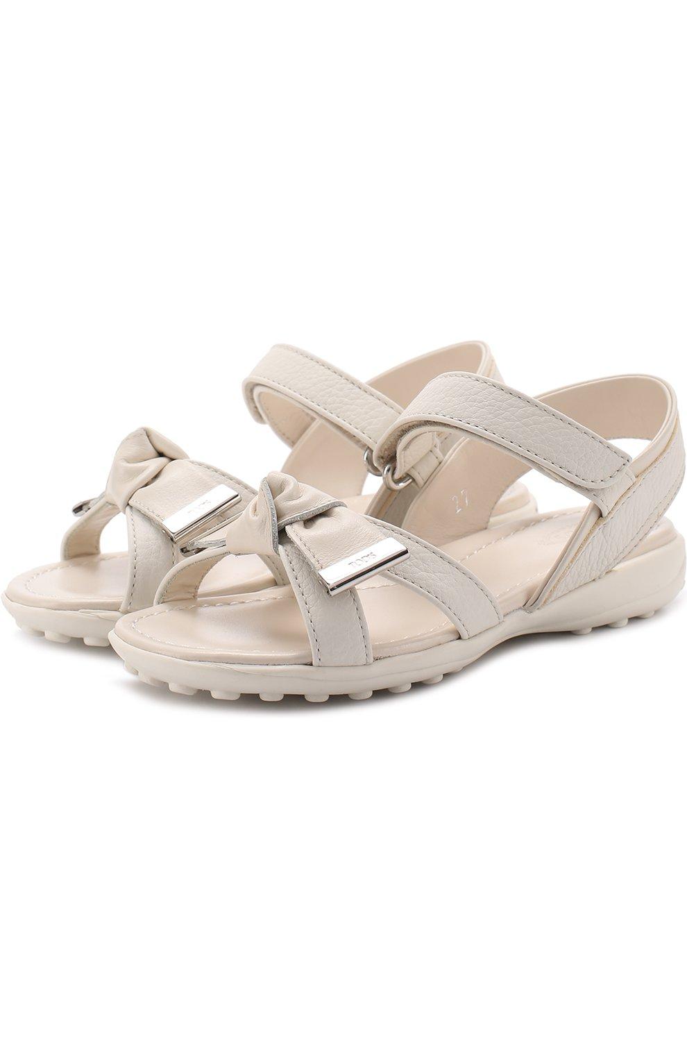 Кожаные сандалии с застежками велькро и бантом | Фото №1