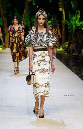 Кроп-топ в полоску с открытыми плечами Dolce & Gabbana черно-белый | Фото №6