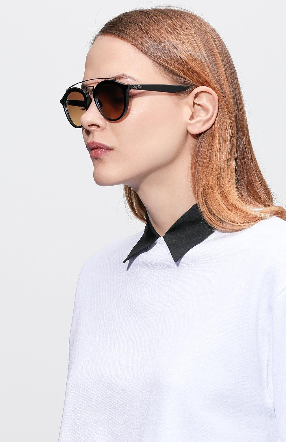 Женские солнцезащитные очки RAY-BAN черного цвета, арт. 4257-6253B8 | Фото 2