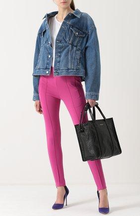 Женская джинсовая куртка свободного кроя с потертостями BALENCIAGA голубого цвета, арт. 446443/TSB06 | Фото 2