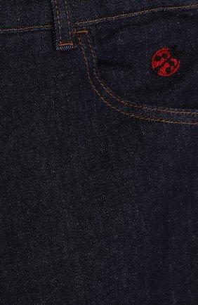 Детские джинсы прямого кроя с аппликациями и эластичной вставкой на поясе Dolce & Gabbana темно-синего цвета | Фото №3