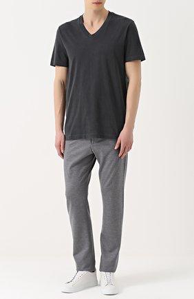 Мужская хлопковая футболка с v-образным вырезом JAMES PERSE темно-серого цвета, арт. MHE3352/MLJ3352 | Фото 2