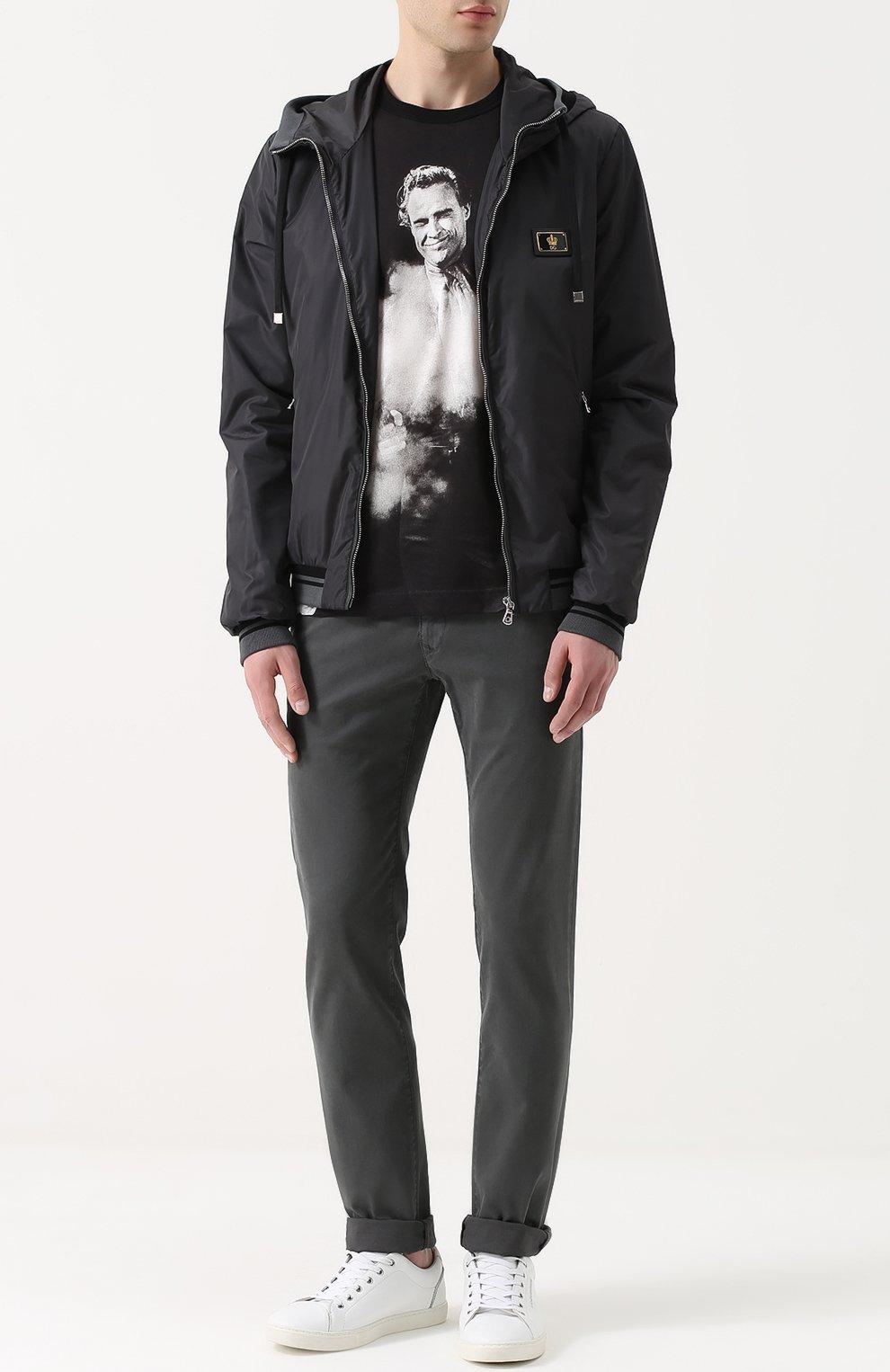 Бомбер на молнии с капюшоном Dolce & Gabbana серая | Фото №2