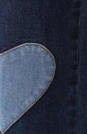 Джинсы прямого кроя с контрастными нашивками   Фото №5