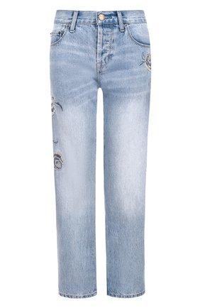 Джинсы прямого кроя с потертостями и вышивкой | Фото №1