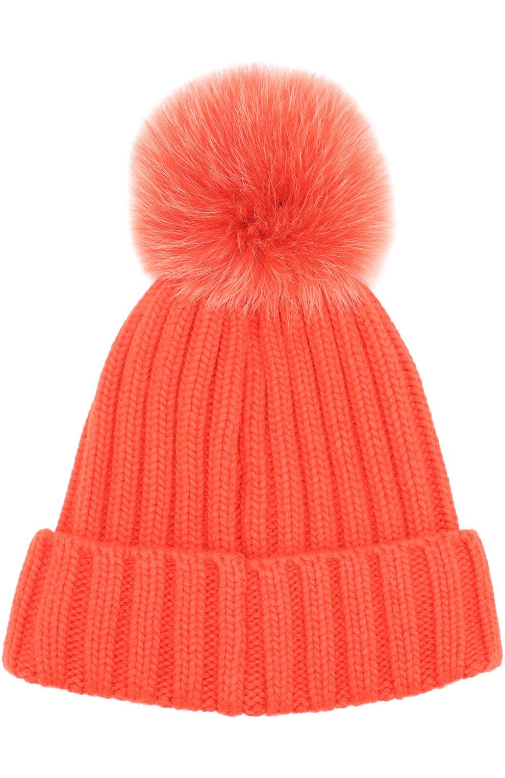Вязаная шапка с помпоном из меха   Фото №2