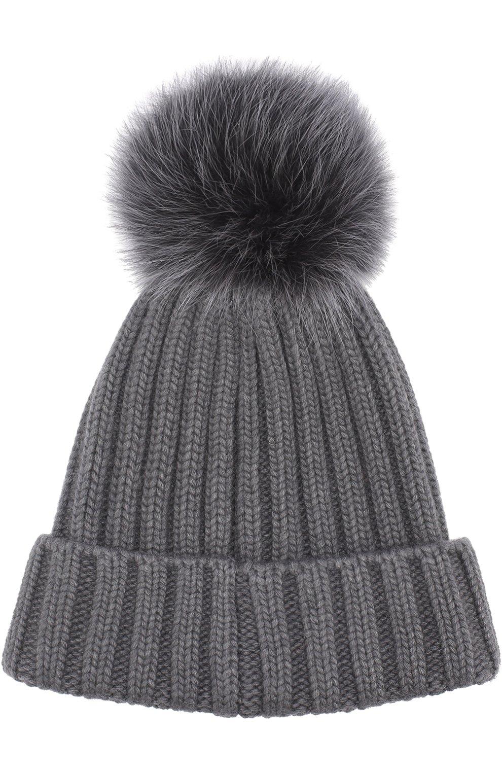 Вязаная шапка с помпоном из меха | Фото №2