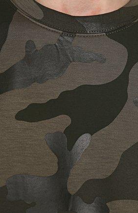 Свитшот из вискозы с камуфляжным принтом | Фото №5