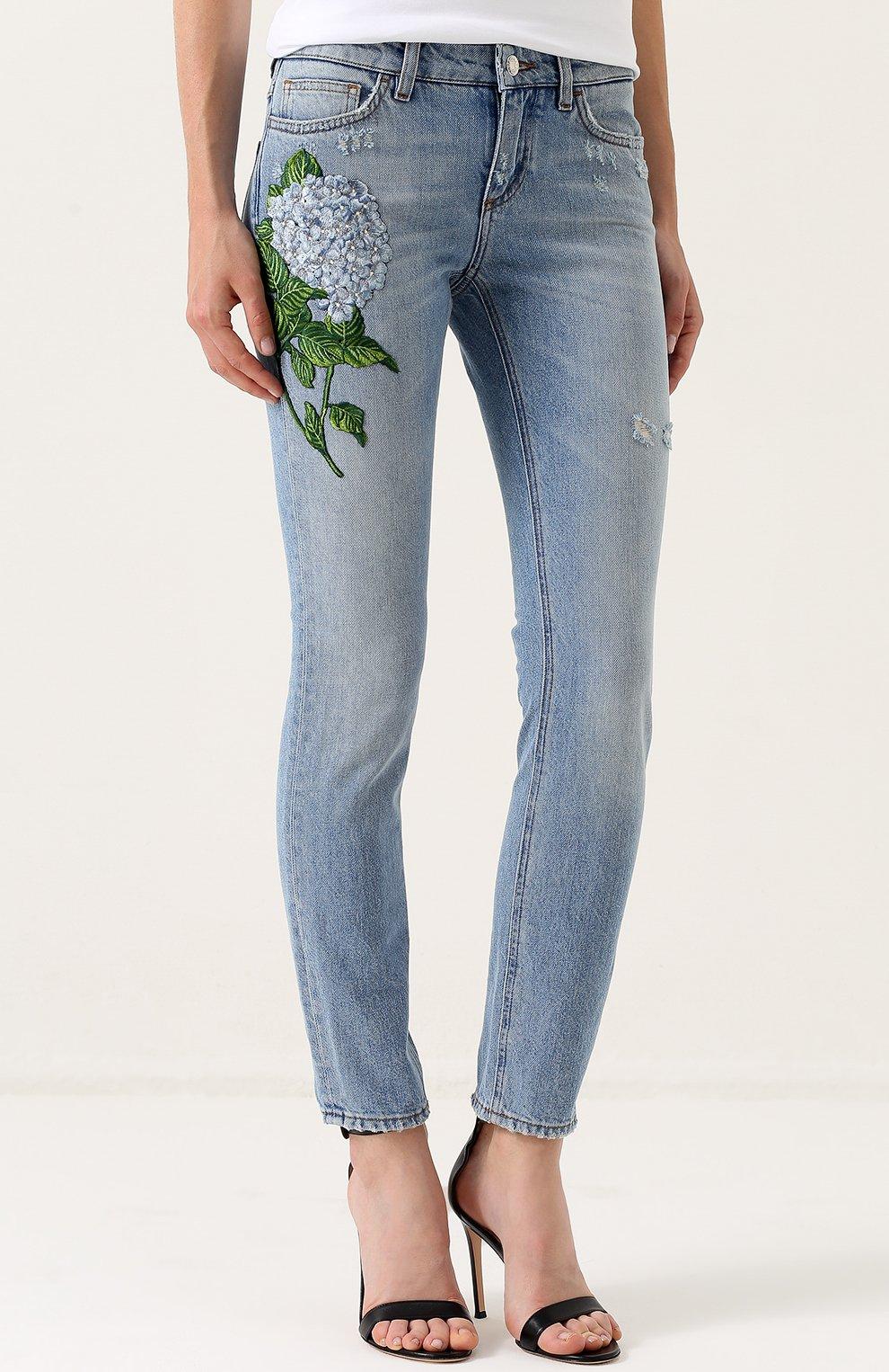 Джинсы с потертостями и вышивкой Dolce & Gabbana голубые   Фото №3