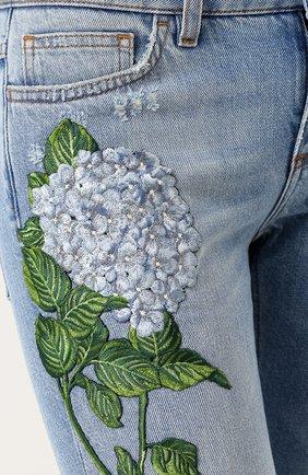Джинсы с потертостями и вышивкой Dolce & Gabbana голубые   Фото №5
