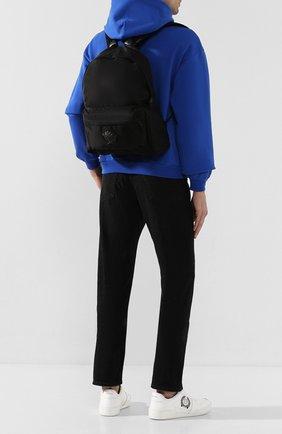 Мужской текстильный рюкзак с внешним карманом на молнии VERSACE черного цвета, арт. DFZ5350/DNYLV   Фото 2