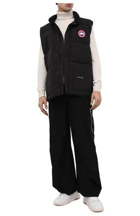 Мужской пуховый жилет freestyle crew CANADA GOOSE черного цвета, арт. 4154M | Фото 2 (Материал подклада: Синтетический материал; Длина (верхняя одежда): Короткие; Статус проверки: Проверена категория, Проверено; Материал утеплителя: Пух и перо; Материал внешний: Синтетический материал, Полиэстер; Мужское Кросс-КТ: Верхняя одежда; Кросс-КТ: Пуховик, Куртка; Стили: Спорт-шик)