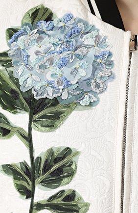 Бомбер на молнии с контрастной цветочной отделкой Dolce & Gabbana белая | Фото №5