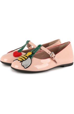 Лаковые туфли на ремешке с аппликацией | Фото №1