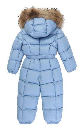 Детский пуховый комбинезон с капюшоном и меховой отделкой MONCLER ENFANT голубого цвета, арт. C2-951-14355-25-53079/18M-3A | Фото 2