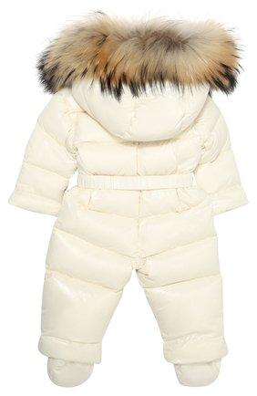 Детский пуховый комбинезон с капюшоном и меховой отделкой MONCLER ENFANT белого цвета, арт. C2-951-14353-25-68950/3-18M | Фото 2