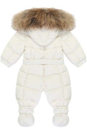 Детский пуховый комбинезон с капюшоном и меховой отделкой MONCLER ENFANT белого цвета, арт. C2-951-14355-25-53079/3-18M | Фото 2