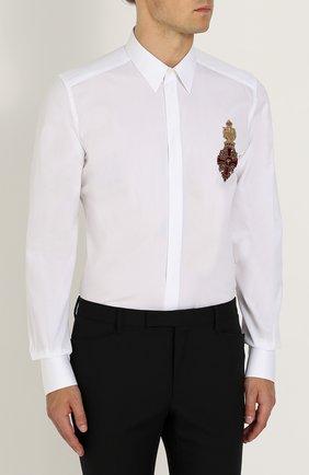 Приталенная хлопковая сорочка с декоративной отделкой Dolce & Gabbana белая   Фото №3