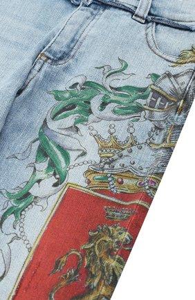 Детские джинсы прямого кроя с принтом и аппликацией Dolce & Gabbana голубого цвета | Фото №4
