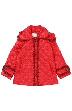 Детского укороченное стеганое пальто с оборками и капюшоном GUCCI красного цвета, арт. 434272/XB030 | Фото 1