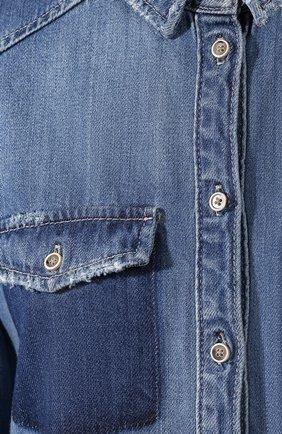 Джинсовая блуза прямого кроя с потертостями | Фото №5
