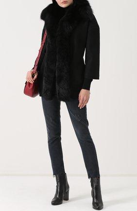 Шерстяное пальто с поясом и меховой отделкой капюшона Ava Adore черного цвета | Фото №1