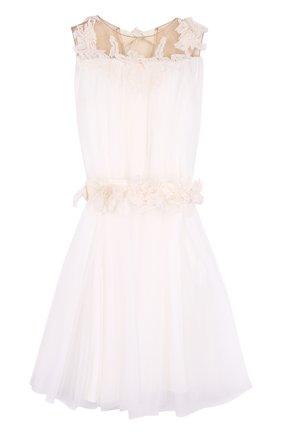 Многослойное платье с поясом и кружевной отделкой | Фото №1