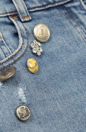Детские джинсы прямого кроя с декоративной отделкой Dolce & Gabbana голубого цвета | Фото №3
