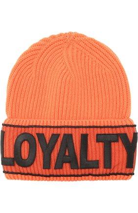 Шерстяная шапка фактурной вязки с нашивкой | Фото №1