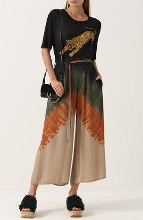 Укороченные шелковые брюки с принтом Raquel Allegra разноцветные | Фото №1