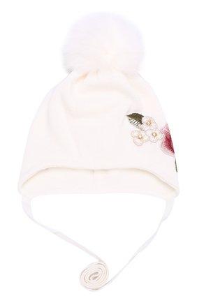 Вязаная шапка с вышивкой и меховым помпоном | Фото №1