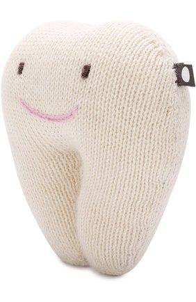 Вязаная игрушка Зуб Oeuf белого цвета | Фото №1