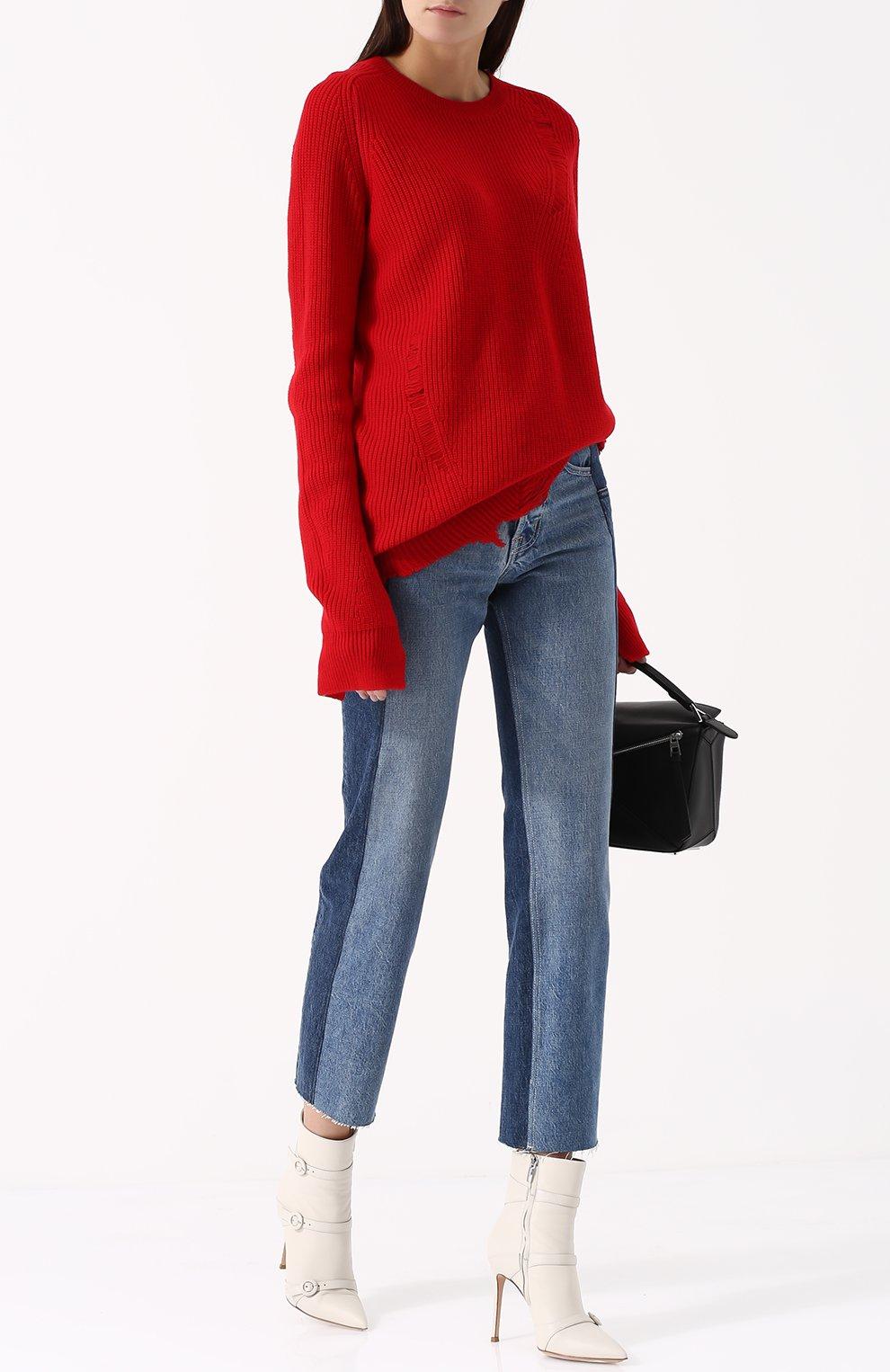 Укороченные джинсы прямого кроя с потертостями | Фото №2