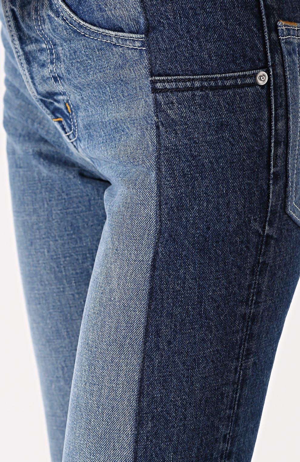 Укороченные джинсы прямого кроя с потертостями | Фото №5