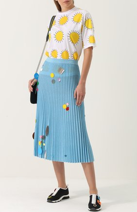 Плиссированная юбка-миди с пайетками Christopher Kane голубая | Фото №1