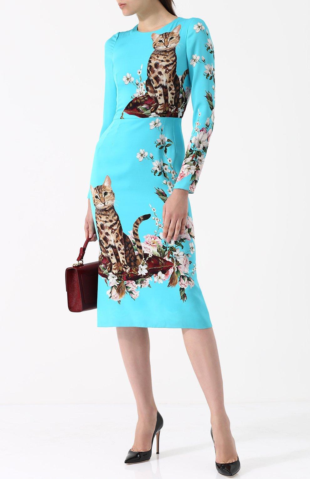 Приталенное платье-миди с принтом Dolce & Gabbana голубое   Фото №2