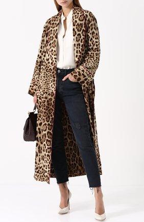 Шелковое пальто с леопардовым принтом и поясом Dolce & Gabbana леопардового цвета   Фото №2