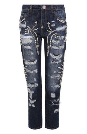 Укороченные джинсы с потертостями и стразами | Фото №1