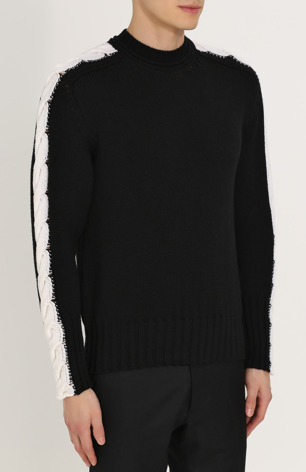 47e8c591aedf7 Шерстяной свитер с контрастной отделкой Bottega Veneta черный | Фото №3