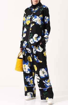 Шелковые брюки в пижамном стиле с цветочным принтом Études разноцветные | Фото №2