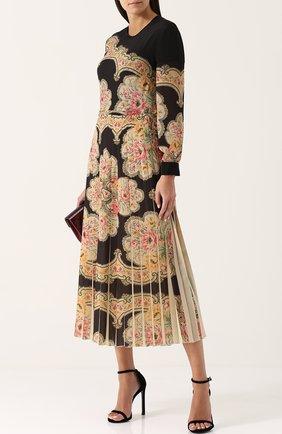 Приталенное платье-миди с принтом и юбкой в складку Vilshenko черное | Фото №1