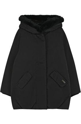 Пуховое пальто свободного кроя с меховой отделкой на капюшоне | Фото №1