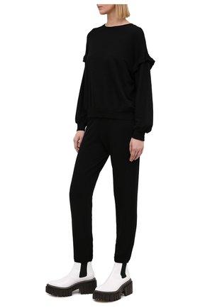 Женские брюки из смеси вискозы и хлопка MONROW черного цвета, арт. HB006AFT | Фото 2