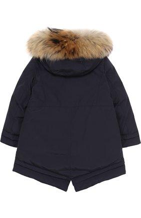 Пуховая куртка с меховой отделкой на капюшоне Moncler Enfant синего цвета | Фото №1