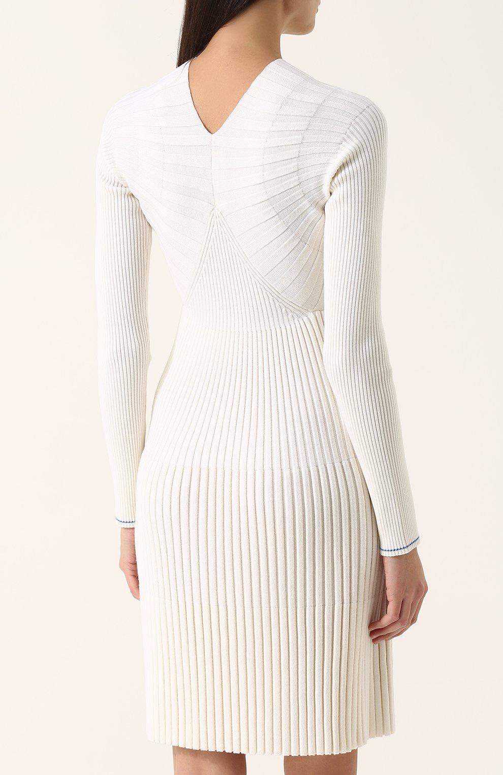 1662ea0ac32 Приталенное шерстяное платье с длинным рукавом Victoria Beckham молочное