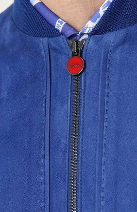 Замшевый бомбер на молнии с карманами | Фото №5