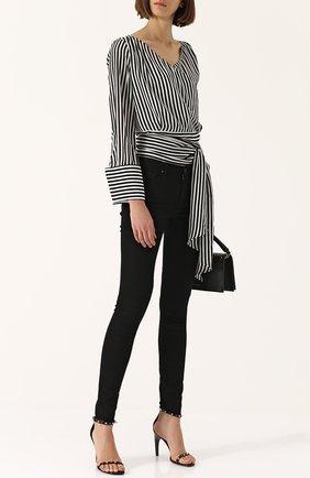 Женские однотонные джинсы-скинни с потертостями AG черного цвета, арт. DBD1288-RH/BIK | Фото 2