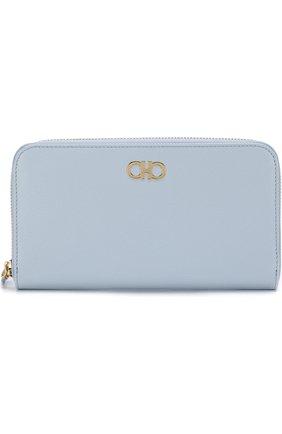 Кожаное портмоне на молнии с логотипом бренда Salvatore Ferragamo светло-голубого цвета | Фото №1