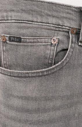 Джинсы прямого кроя с потертостями Polo Ralph Lauren серые | Фото №5