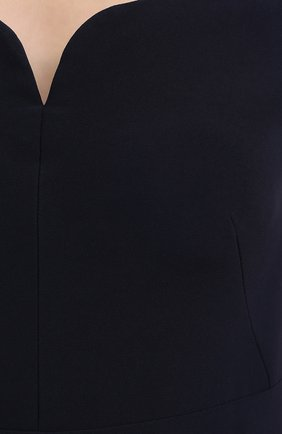 Приталенное платье-макси с открытыми плечами | Фото №5